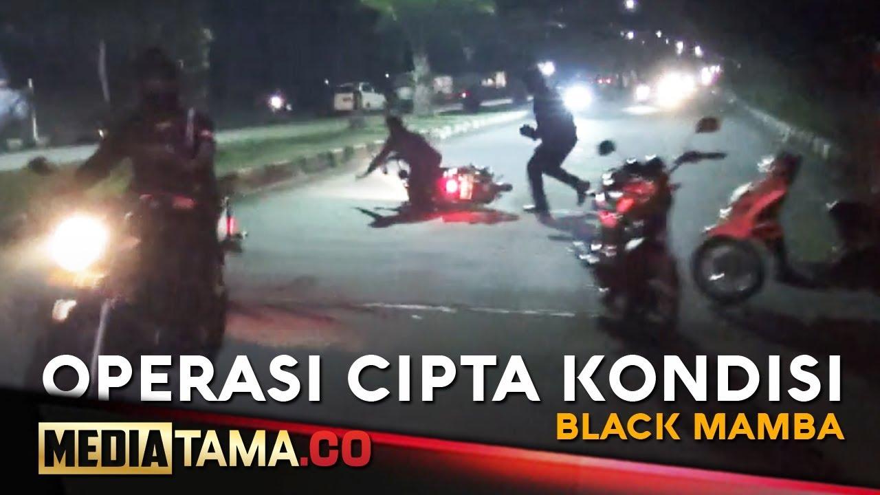 VIDEO: Coba Kabur dari Razia Petugas, Pemuda ini Terjatuh dari Motor